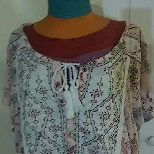 M pink pattern Tee shirt
